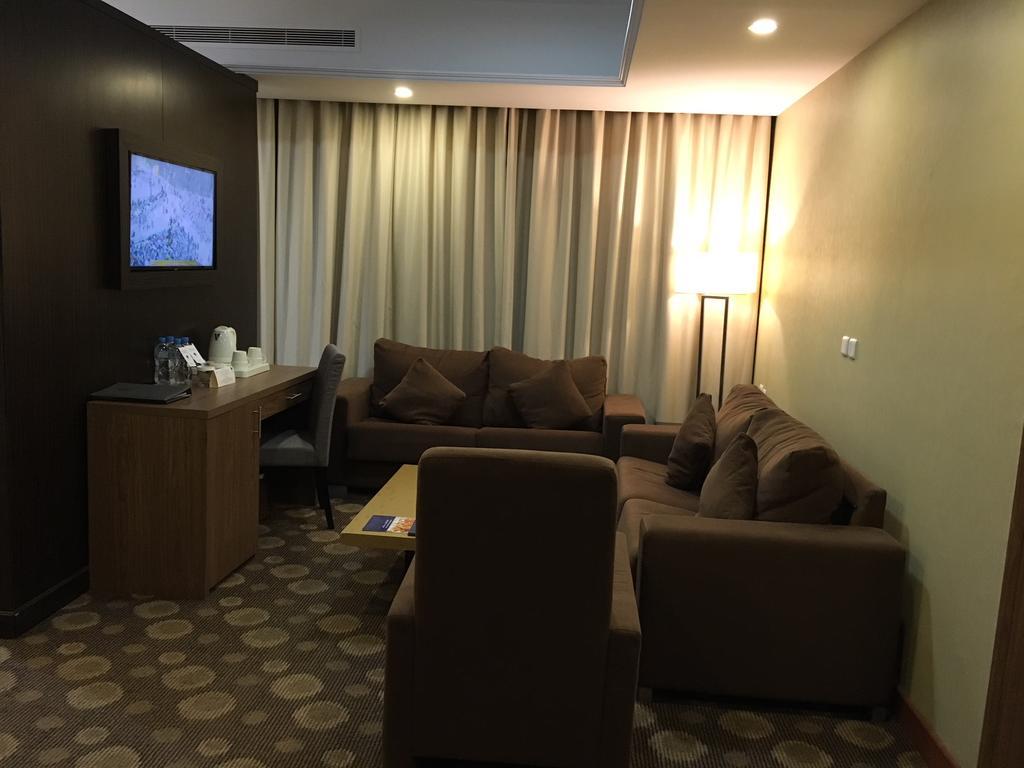Grand makkah hotel salon al sirate voyage for Salon du hajj